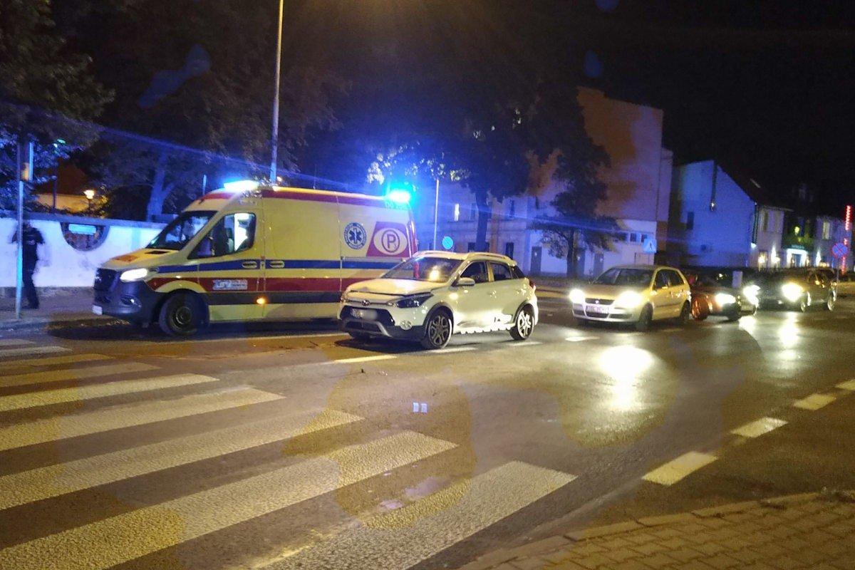 Zderzenie dwóch aut na Chrobrego