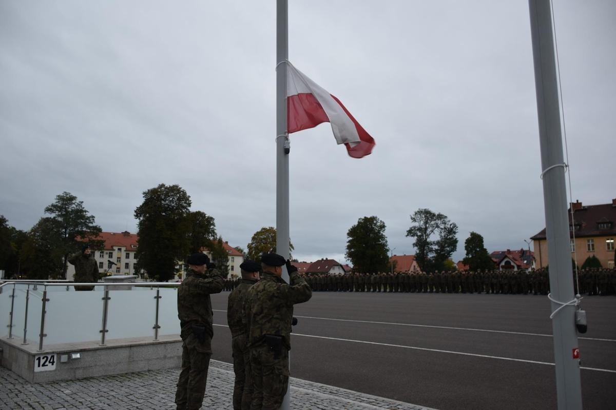 Obchody Święta Żołnierza Rezerwy w bolesławieckich koszarach