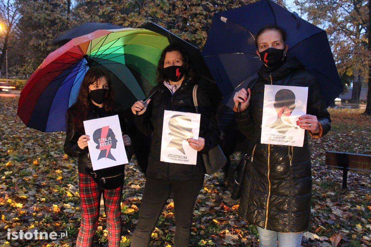 Uczestnicy protestu przeciwko zaostrzeniu przepisów antyaborcyjnych