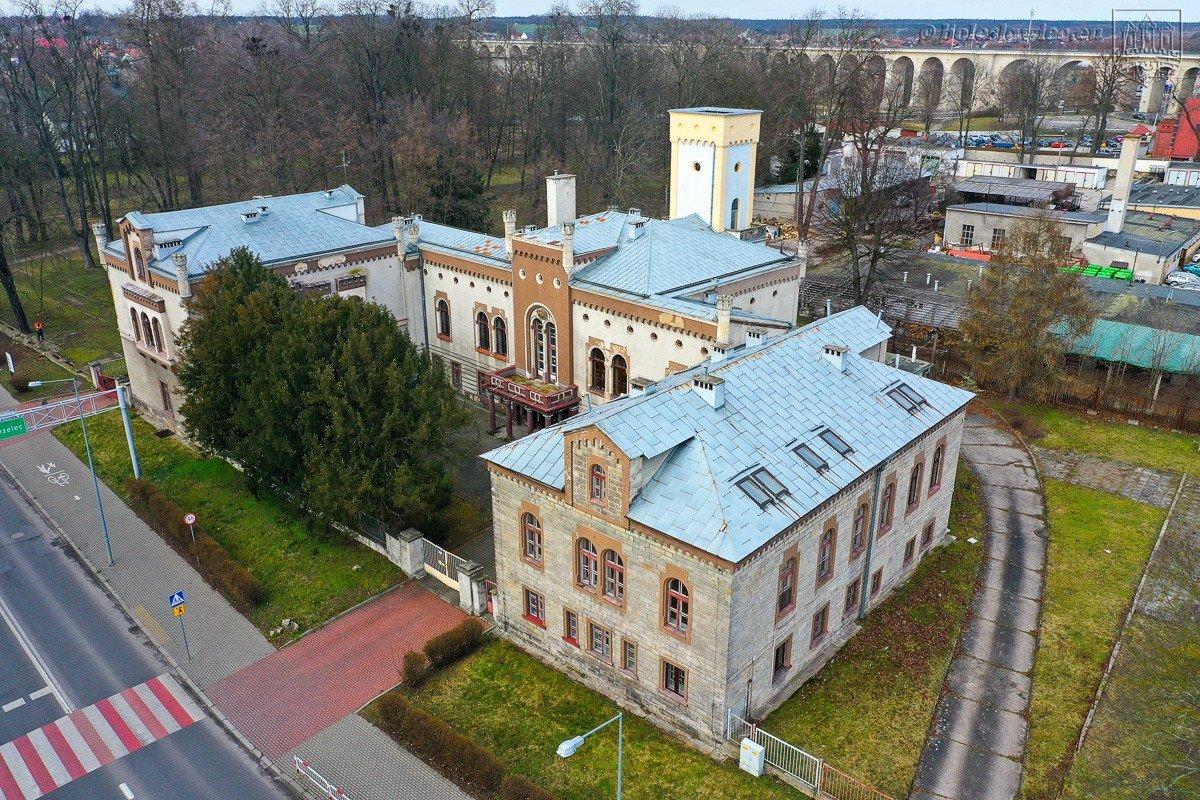 Zabytkowy pałac w Bolesławcu zostanie zrewitalizowany
