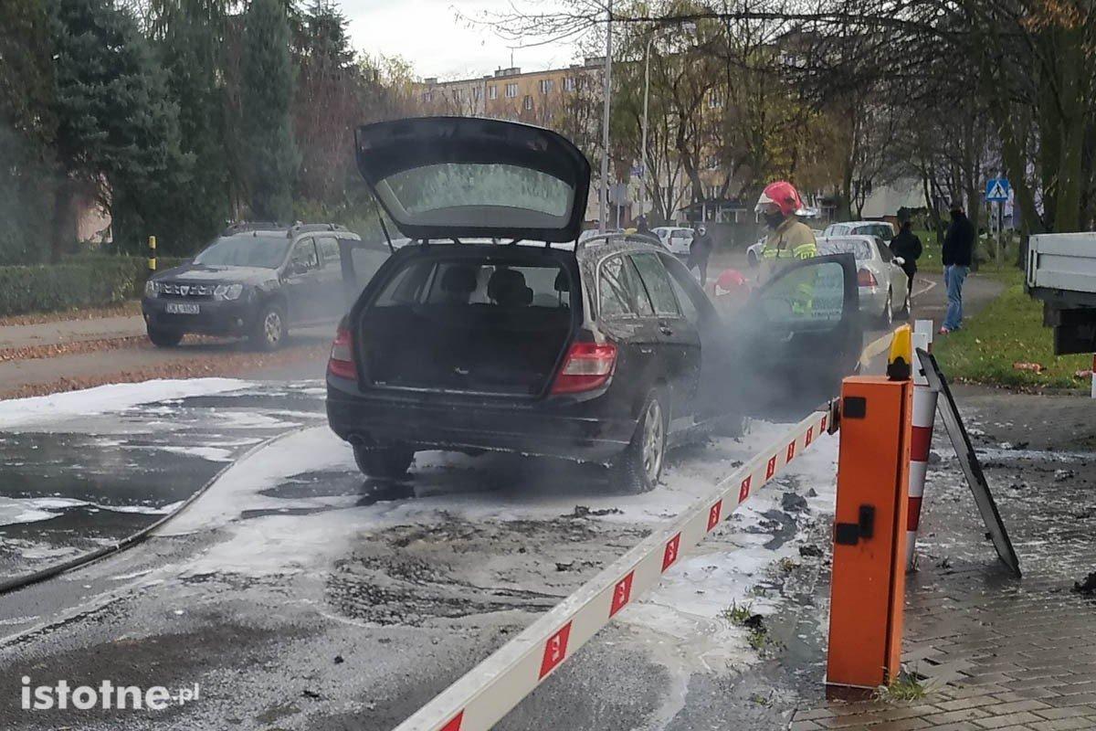 Pożar Mercedesa przy Jana Pawła II