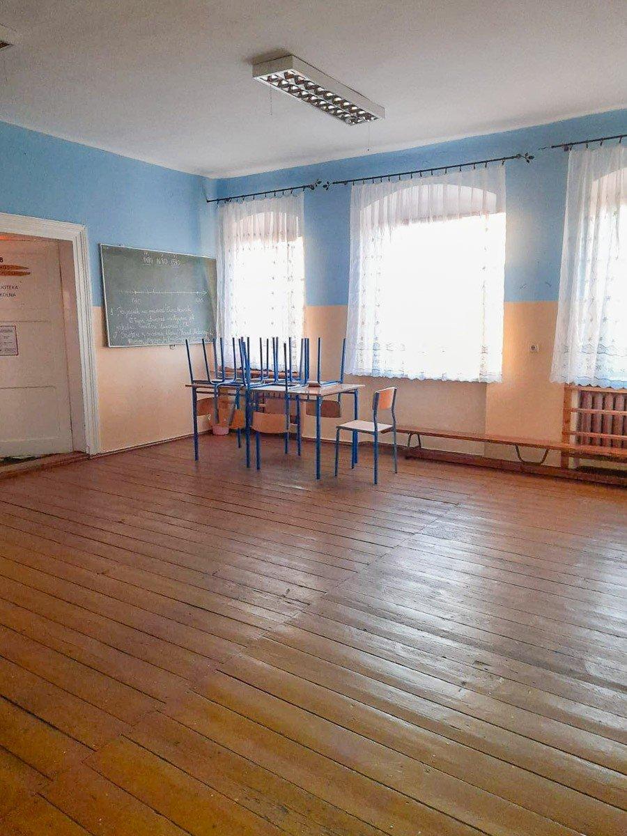 Szkoła w Sędzimirowie