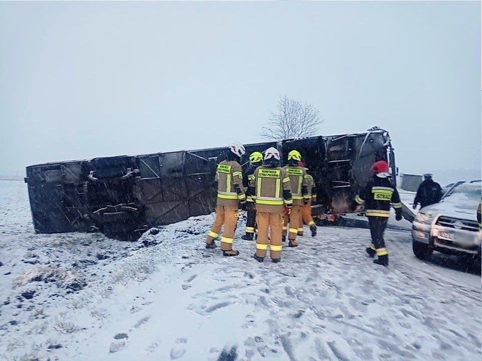 Zderzenie autobusu z autem koło Warty Bolesławieckiej