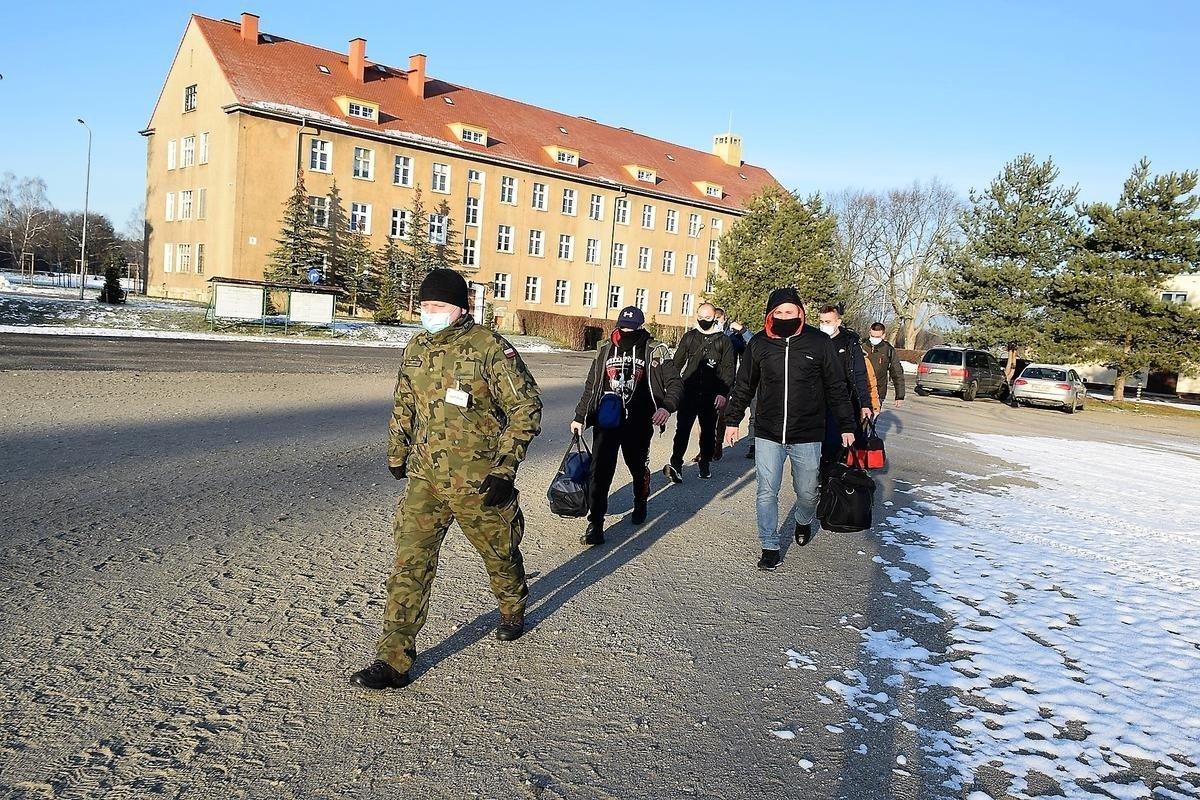 Nowi ochotnicy w 23 Śląskim Pułku Artylerii