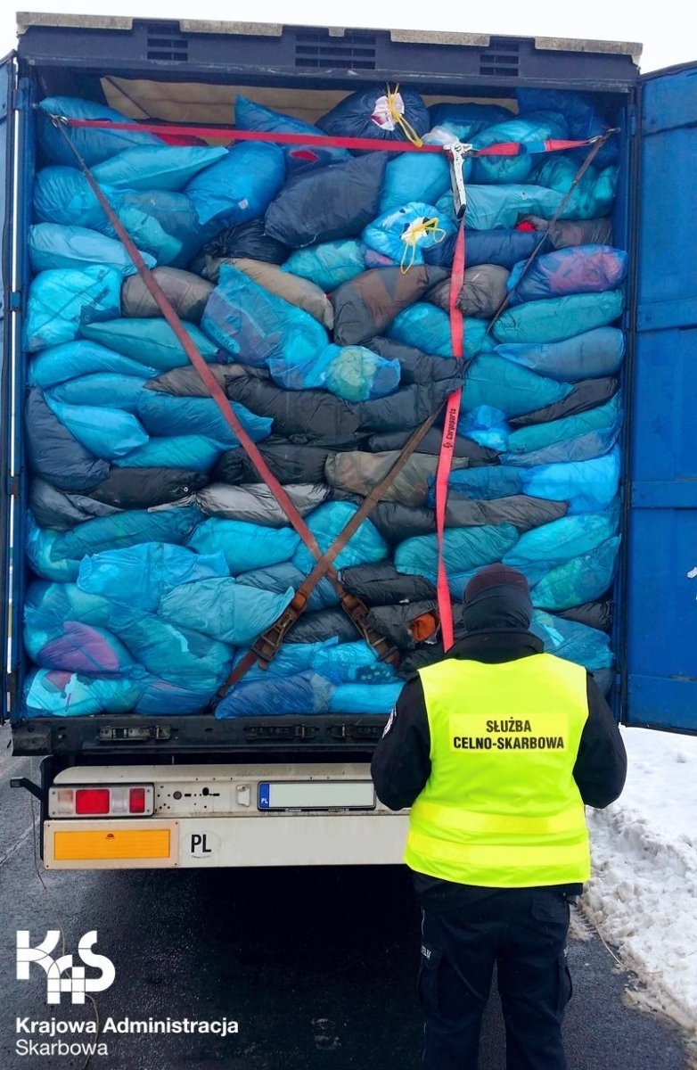 Transport 40 ton odpadów z Niemiec