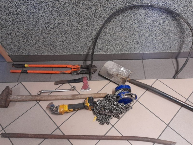 Podejrzani i narzędzia