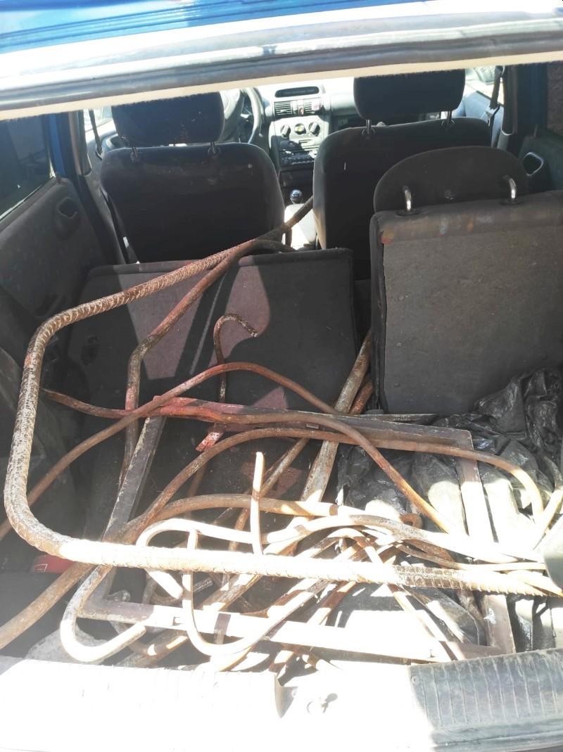 Kradziony złom w samochodzie