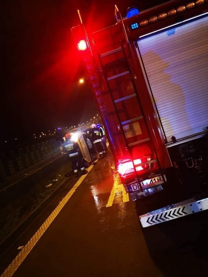 Akcja straży pożarnej na rozwidleniu A4 i A18