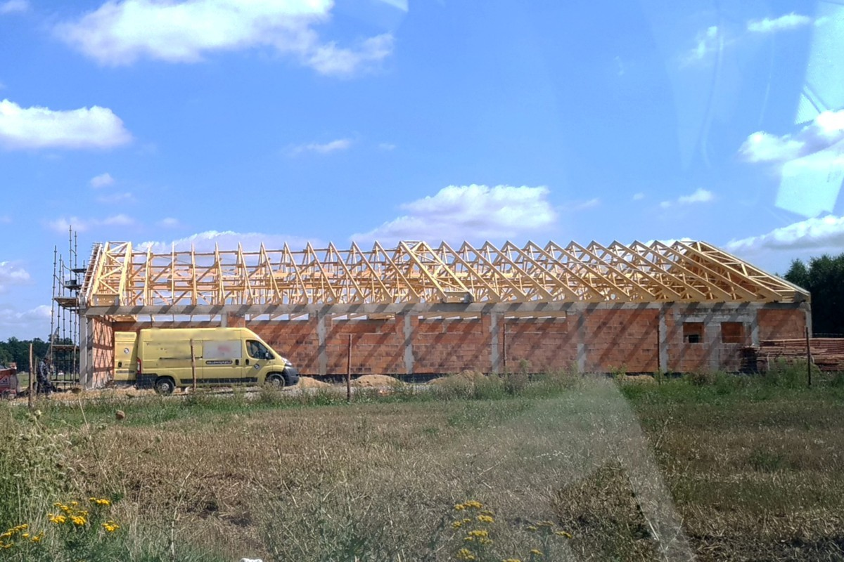 Budowa Dino między Bolesławcem a Kruszynem
